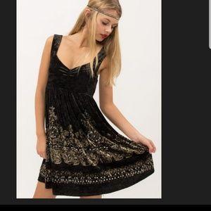 FREE PEOPLE BLACK VELVET & GOLD DESIGN DRESS!